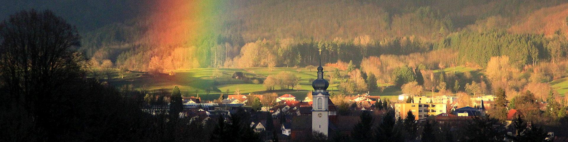 Wehr Kirche St. Martin und Regenbogen